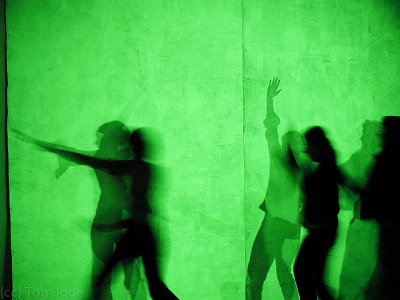 shadows-dancing-green-wall